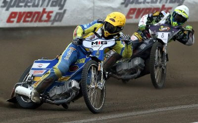 Gritty, groovy start in Poland